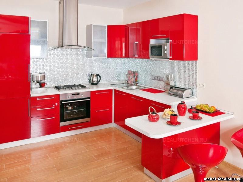 Дизайн кухни красный гарнитур