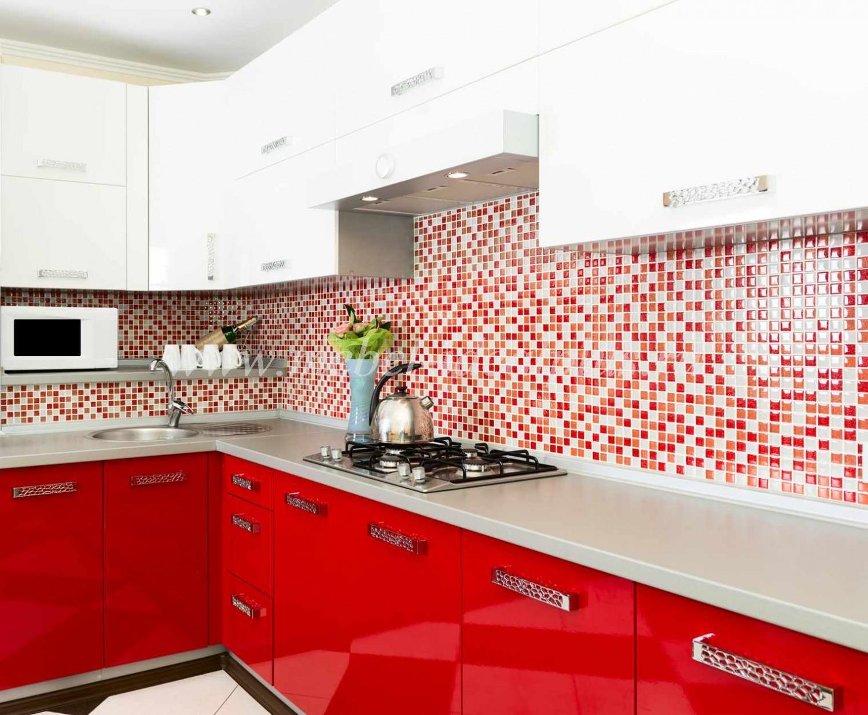 Интерьер кухни в классическом стиле в доме